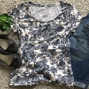 Ann Taylor scoop neck floral toile tee